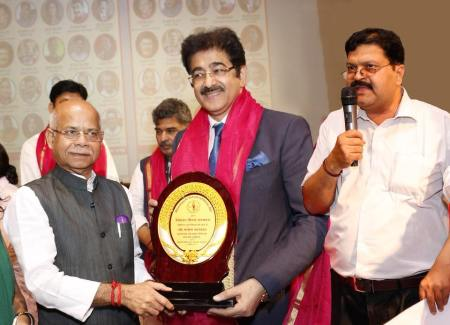 Sandeep Marwah Honored With Bihar Gaurav Samman