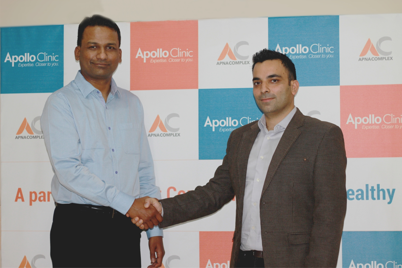 "India's first ""Society Clinics"" chain set up by  Apollo Clinic"